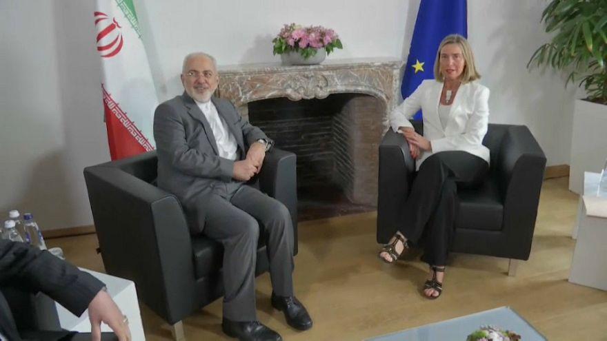 Irán intenta salvar el acuerdo nuclear en Bruselas
