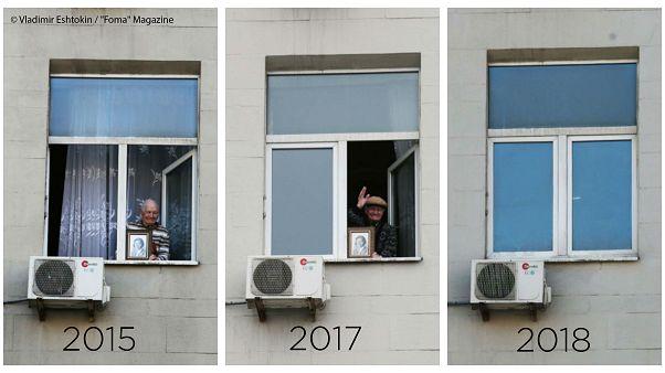 Mosca, ogni anno espone ritratto della madre alla parata. Nel 2018 però la finestra rimane chiusa