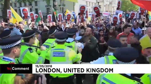 Erdoğan taraftarları ve karşıtları Londra'da karşı karşıya geldi