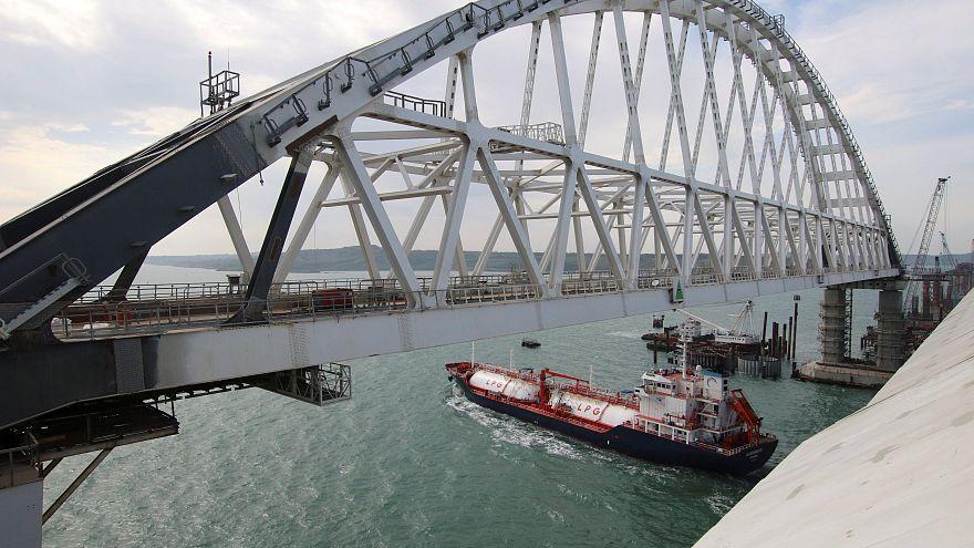 Putin, Kırım Köprüsü açılışını kamyon direksiyonunda yaptı