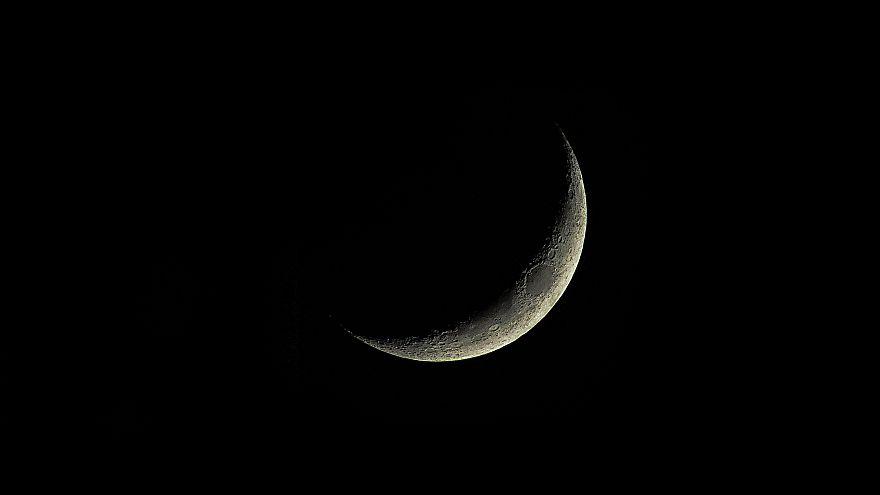 لماذا يختلف المسلمون على تحديد أول أيام رمضان شهر الصوم والعبادة
