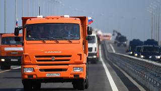 Vladimir Putin inaugura ponte que liga a Crimeia à Rússia