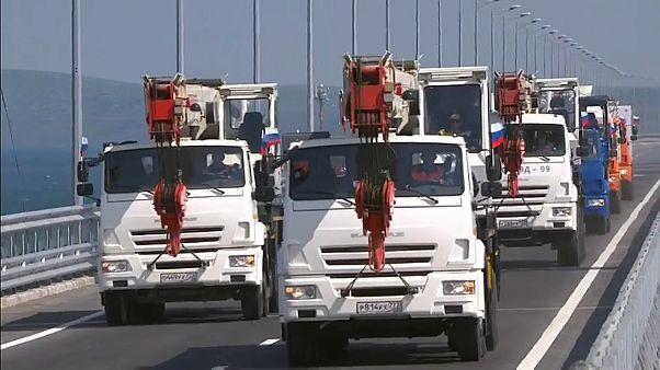Putin camionista inaugura il ponte di Crimea