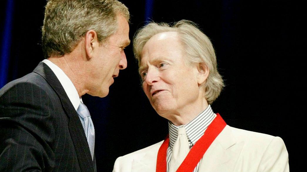 Tom Wolfe with George W Bush
