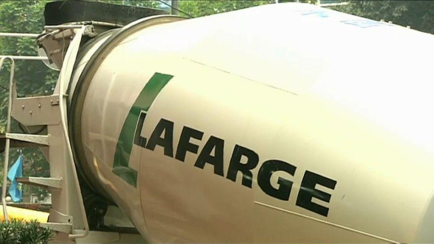 Lafarge обвиняют в преступлениях против человечности