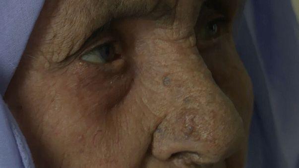 Laila, 111 años, refugiada siria varada en Grecia
