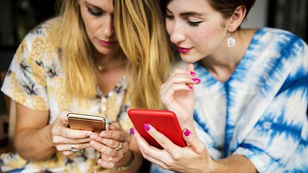 Hallási vita tartja lázban az internetet