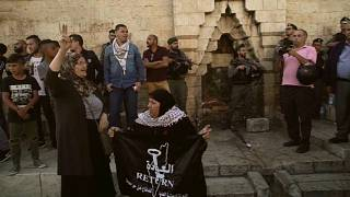 Israeli soldiers disperse protesters near Damascus Gate