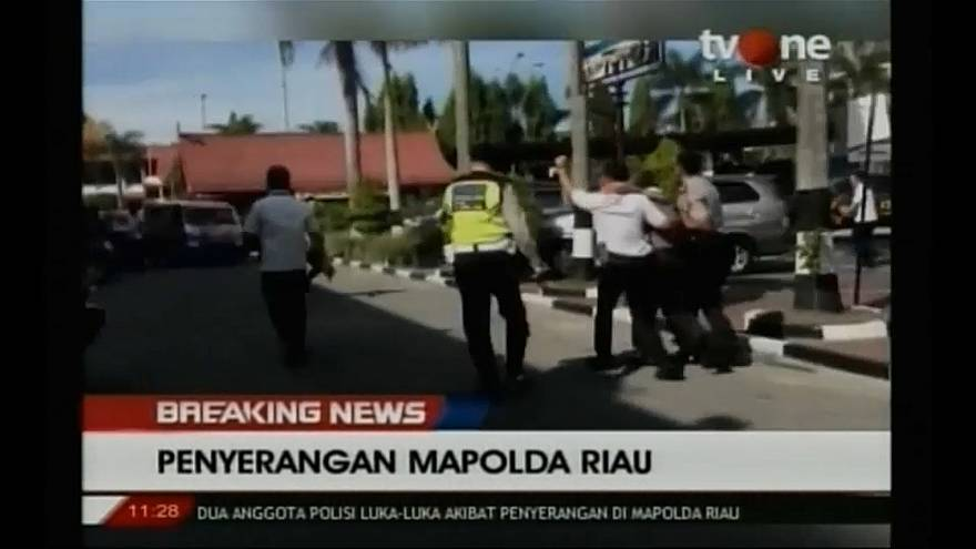 Militants armed with swords attack Indonesian police station