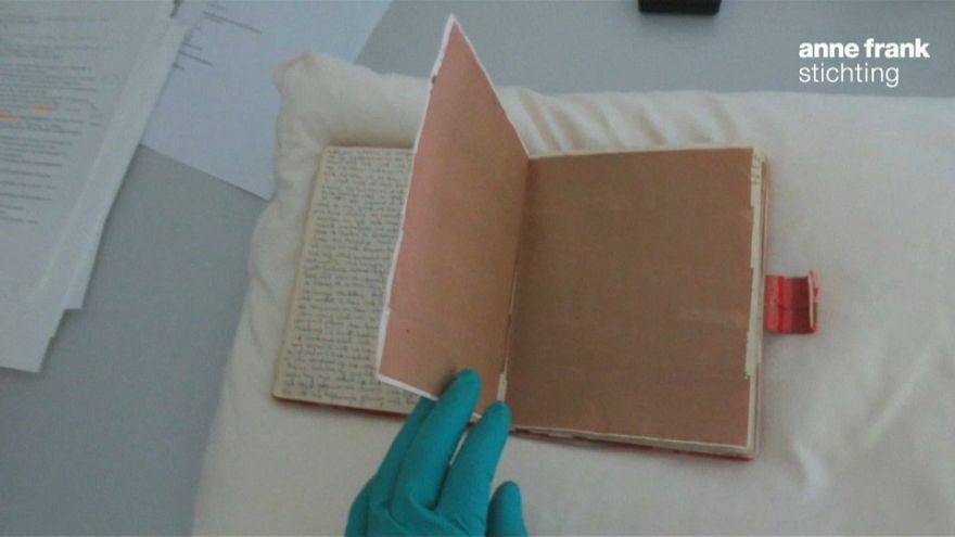 Découverte de deux pages inédites du journal d'Anne Franck