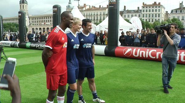 Figo and Abidal look ahead to Europa League Final