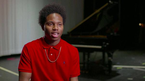 Il jouait du piano... à quatre doigts