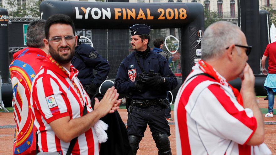 Taraftarlar UEFA Avrupa Ligi finali için Lyon'da maç saatini bekliyor