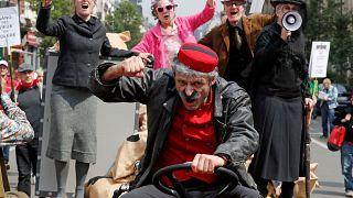 Европейский бунт против пенсионной реформы