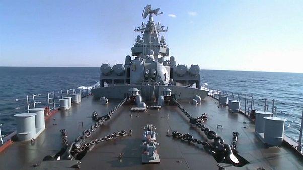 Putin: Kriegsschiffe weiterhin im Mittelmeer