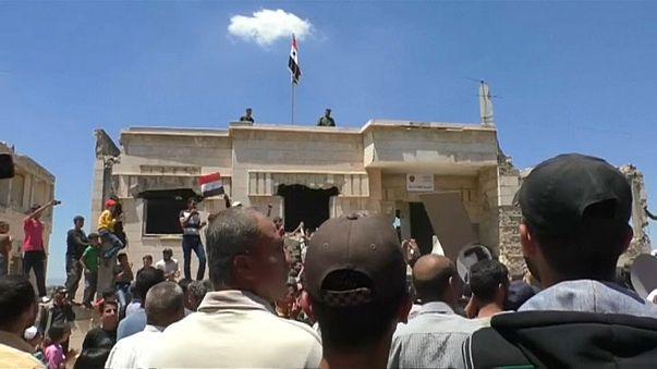 Rebeldes continuam a recuar no centro do país