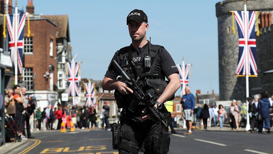 Schwer bewaffneter Polizist in Windsor