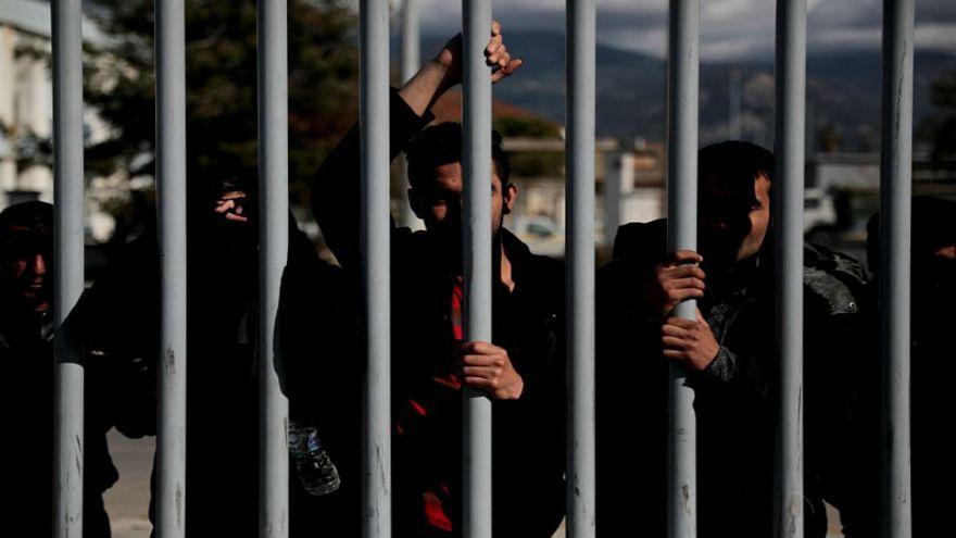 أوضاع اللاجئين تزداد سوءً في جزيرة ليسبوس اليونانية بسبب الاكتظاظ