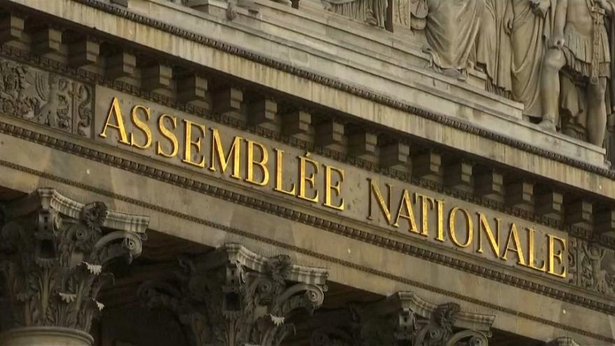 Parlamento francês debate penas para violência sexual