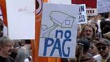 manifestanti contro il disegno di legge Pag