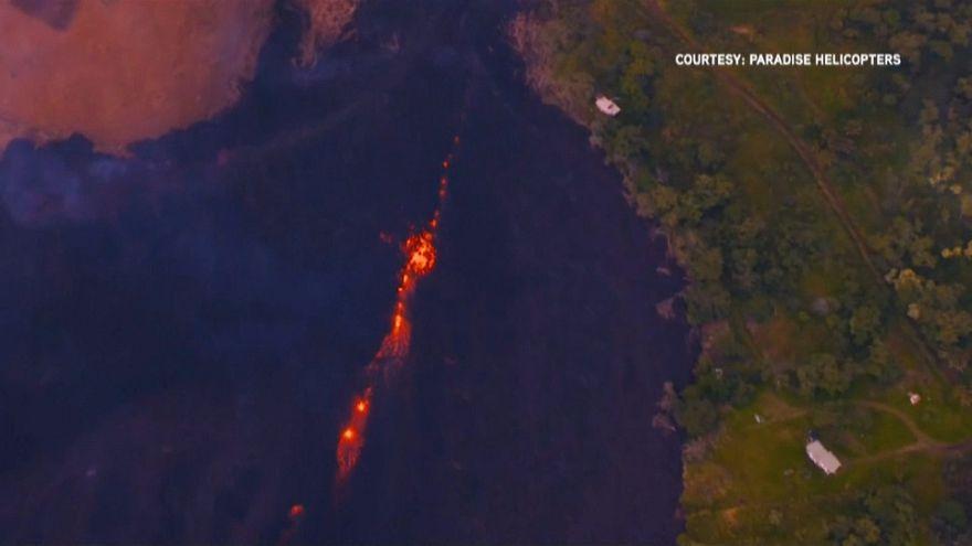 شاهد:  انفجار ضخم في بركان كيلاويا في هاواي