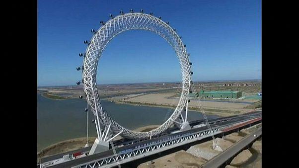 شاهد: الصين تفتتح أكبر عجلة في العالم بدون حاملات