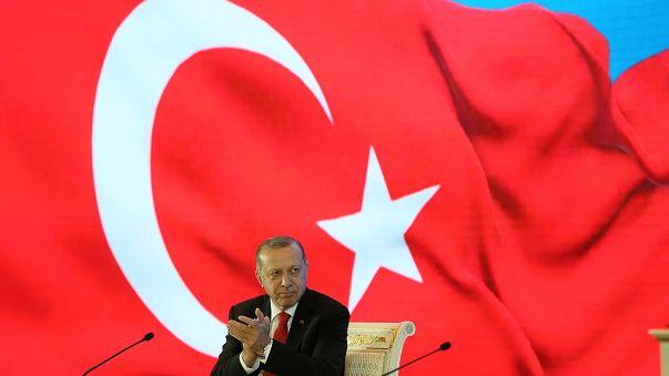 Böhmermann gegen Erdogan: Streit ums Schmähgedicht geht wohl in neue Runde