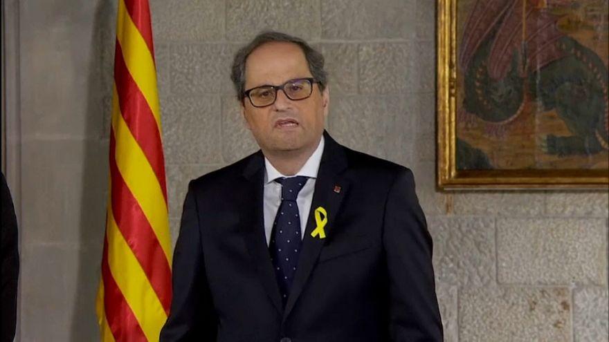 Catalogna, il presidente giura ma l'opposizione insorge
