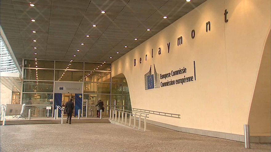 Bruxelas anuncia diretiva para contornar sanções ao Irão