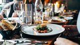 رستوران لوکس فرانسوی: ورود عربها و زنان محجبه ممنوع