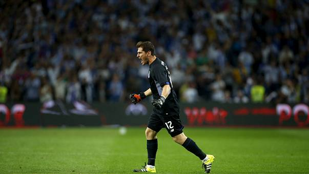 Casillas renova, Buffon abandona Juventus