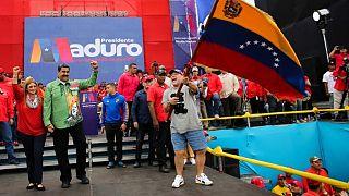 Βενεζουέλα: Μαδούρο - Μαραντόνα μαζί στη σκηνή