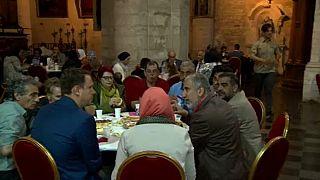Ramadan in einer katholischen Kirche