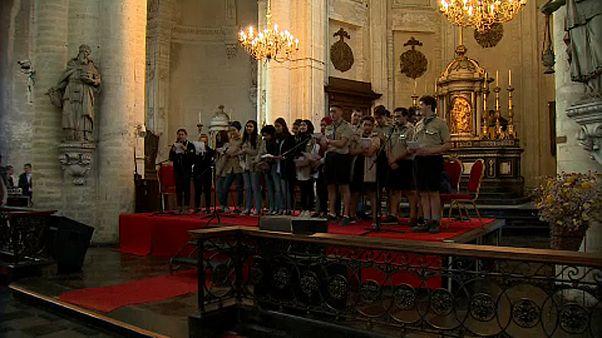 Chorale interreligieuse dans une église de Bruxelles
