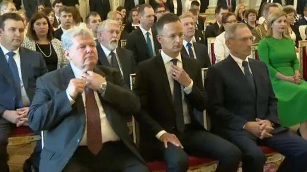 Felesküdött az új magyar kormány