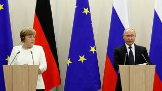 بوتين يدعو إلى إعادة إعمار سوريا ويتحدى الموقف الأوروبي