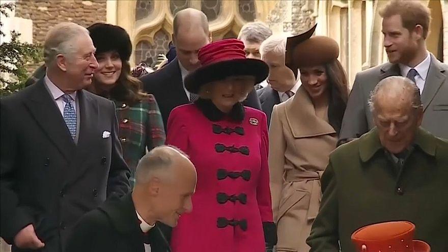 Príncipe Carlos vai levar Meghan Markle ao altar