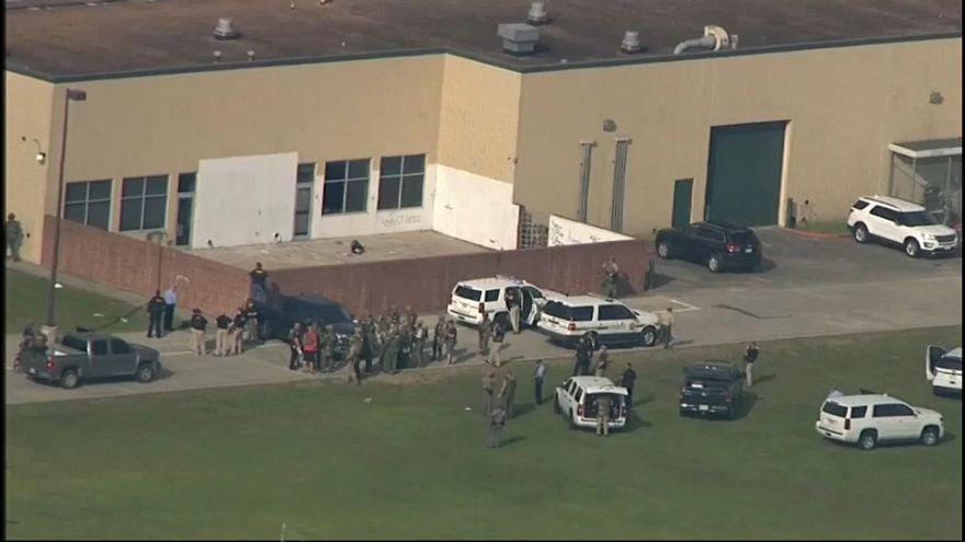 """""""Multiple injured"""" in US school shooting"""
