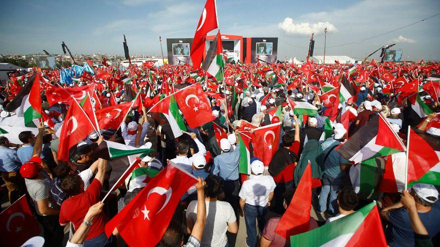 "İstanbul'da ""Zulme Lanet Kudüs'e Destek"" mitingi"