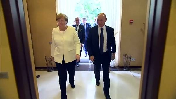 Merkel-Putin, a Sochi il vertice della distensione