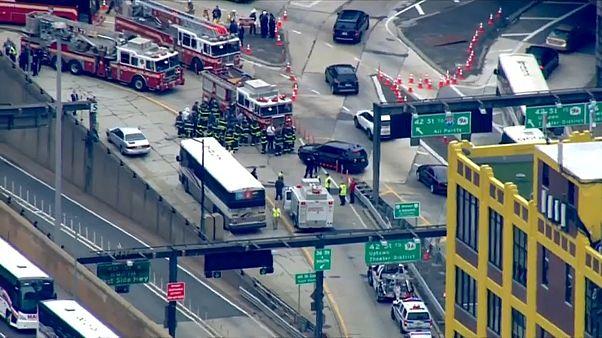 إصابة العشرات في تصادم حافلتين بنيويورك