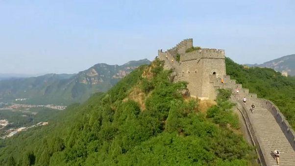 شاهد: مئات العدائين يشاركون في ماراثون سور الصين العظيم