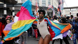 100.000 Menschen demonstrieren für LGBTI-Rechte