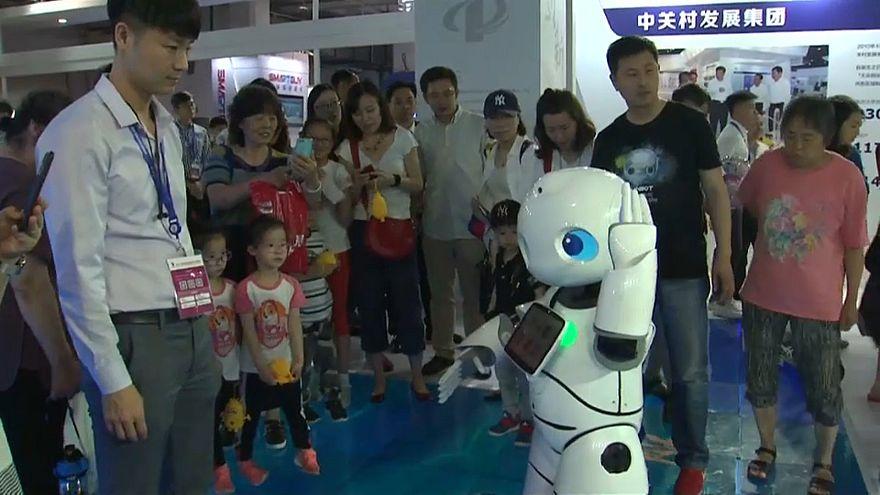 شاهد: الروبوتات المنزلية أحد رهانات التكنولوجيا الفائقة في الصين