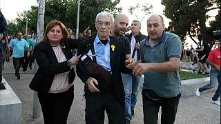 Autarca grego agredido por grupos de extrema direita