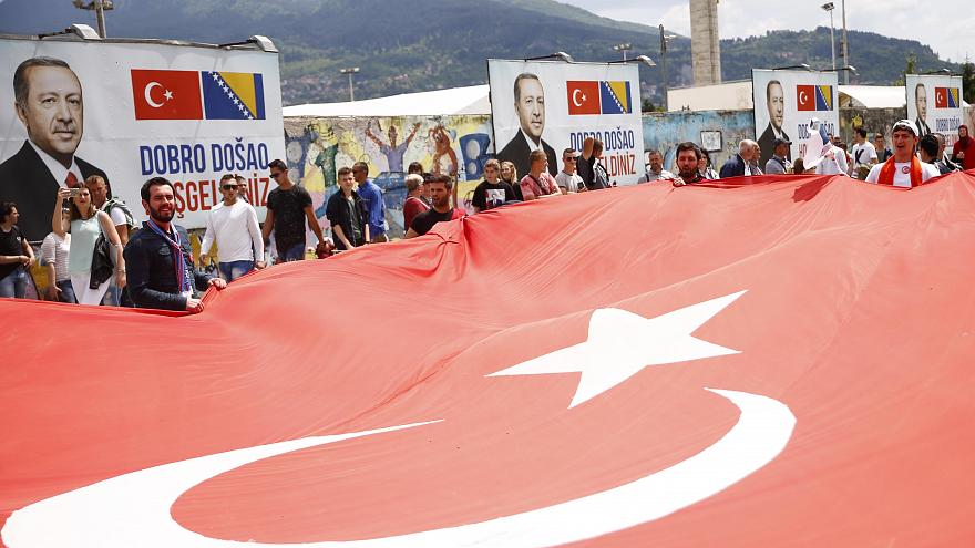 Comício de Erdogan em Sarajevo provoca polémica