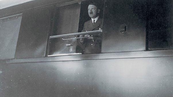 Ο Χίτλερ πέθανε το 1945 και δεν ζει ακόμη στη...Σελήνη!