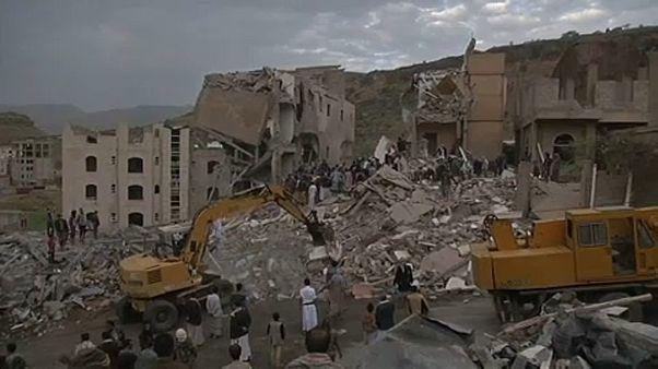 Tovább bombázzák a kórházakat