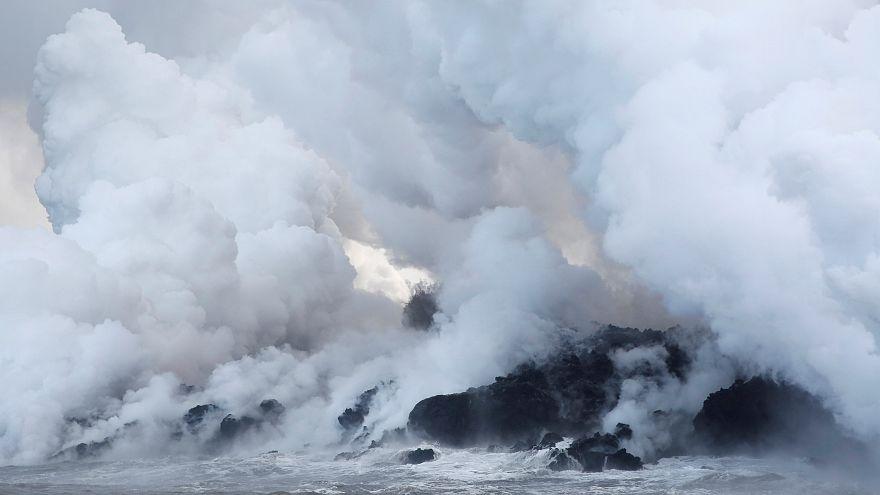 La lava del volcán Kilauea en Hawái llega al océano