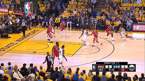 NBA: Golden State strepitosi, avanti 2-1 su Houston